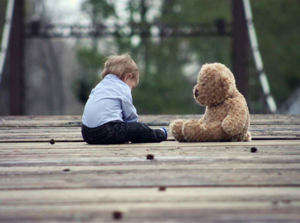 bambino abbandonato